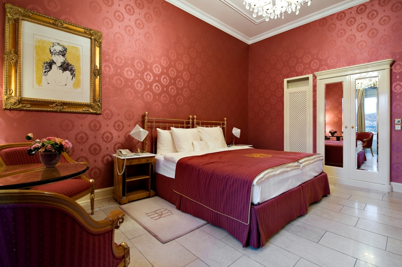 Grand Hotel National 5*